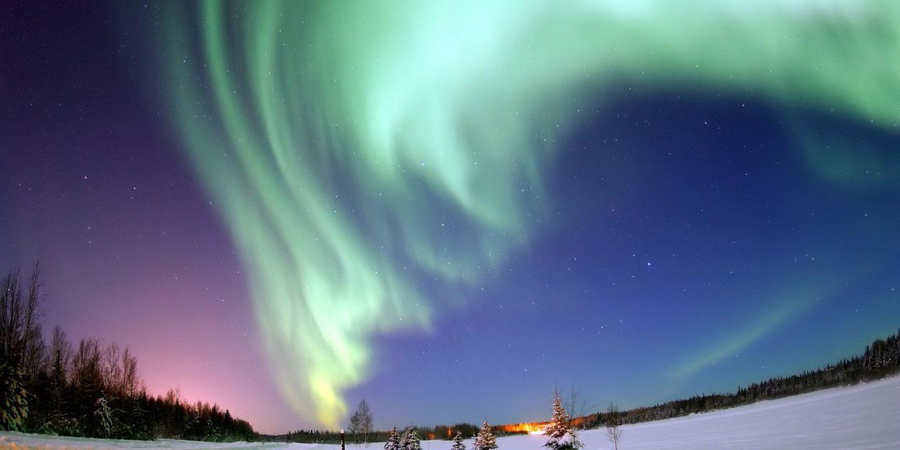 https://www.iomdirectholidays.com/wp-content/uploads/2019/05/aurora-borealis-69221_1920-1280x640.jpg
